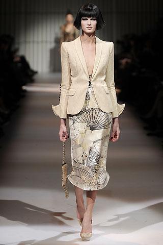 Giorgio Armani - Vintage Glamour