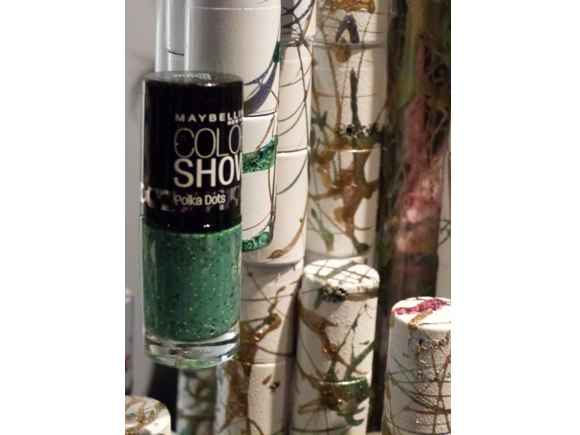 maybelline color show green polka dots