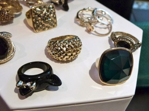 sleek stone ring accessorize store