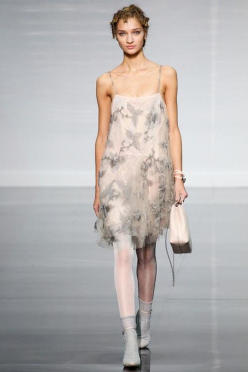 [Image via Style.com]