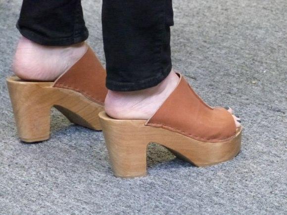 showgoer feet -1