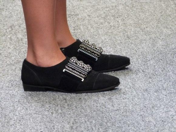 showgoer feet-2