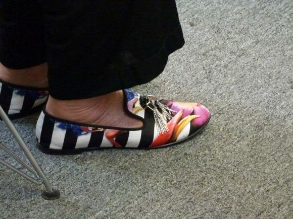showgoer feet -2