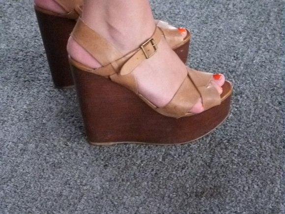 showgoer feet -4