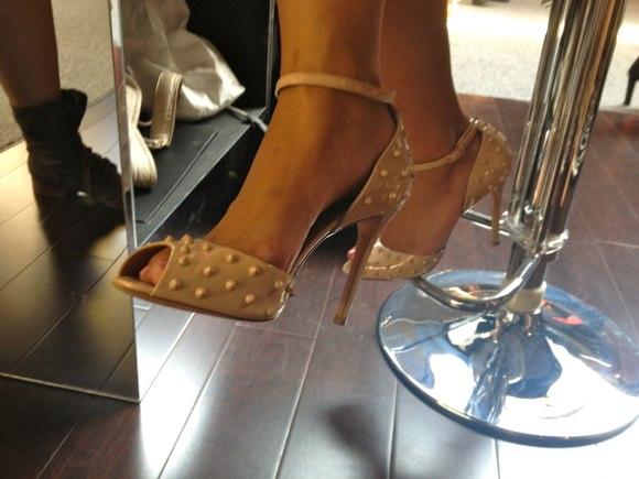 showgoer feet -7