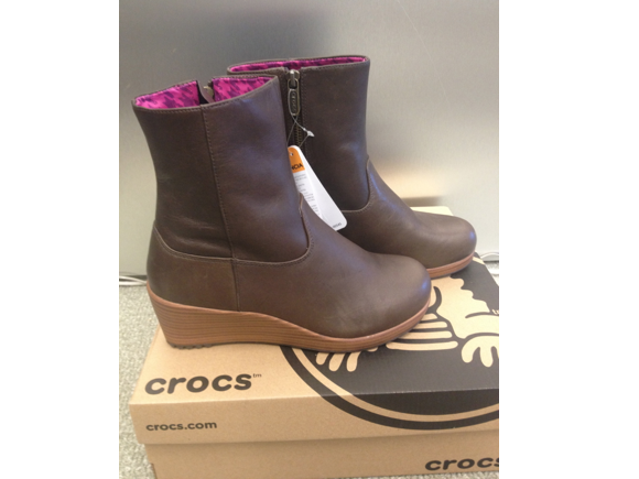 crocs booties
