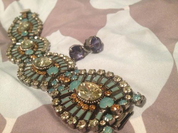 rehearsal-dinner-jewels-