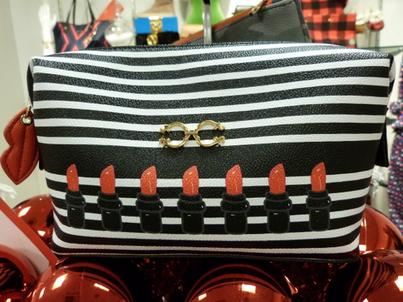 C.Wonder holiday 2014 makeup pouch