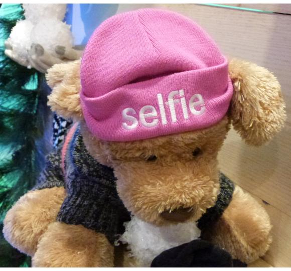 selfie hat AEO holiday