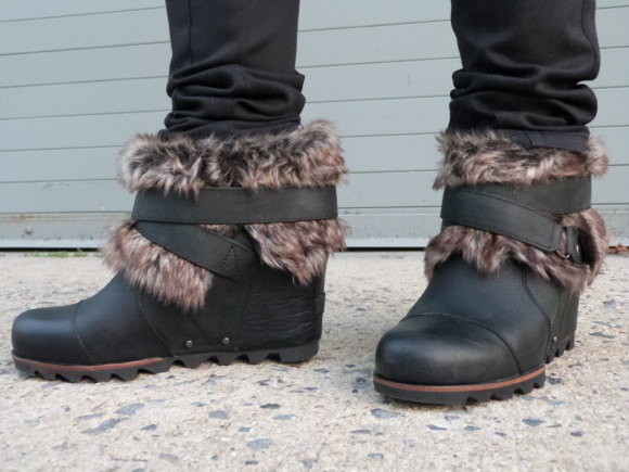 julia dinardo personal style Sorel Joan of Arctic wedges