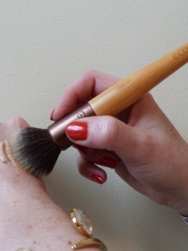 stippling brush ecotools