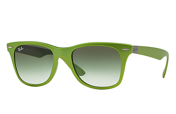 Ray-Ban Wayfarer Liteforce Sunglasses